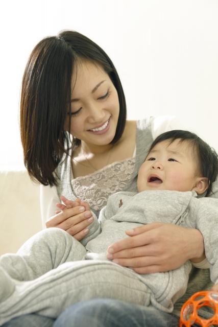 突然の夜泣き!1歳半の子供が泣き続ける理由と対応方法とは?